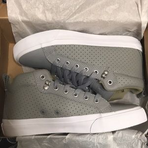 NWT Converse Unisex AS Fulton Mid Top Dolphin/Sand